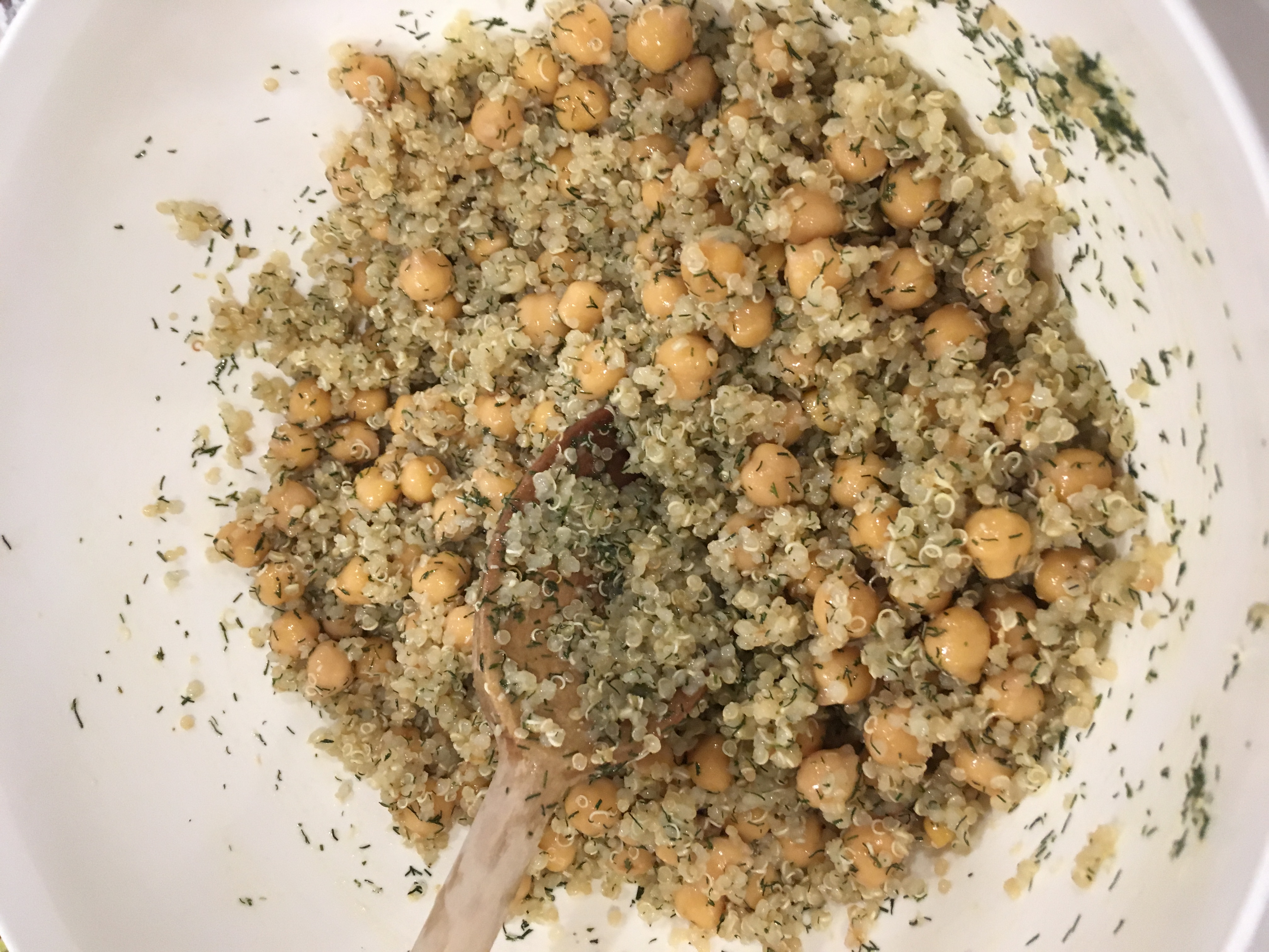 Simple Lemon Dill Quinoa Chickpea Salad